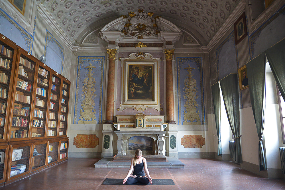 Lost_in_florence_yoga_garage_1