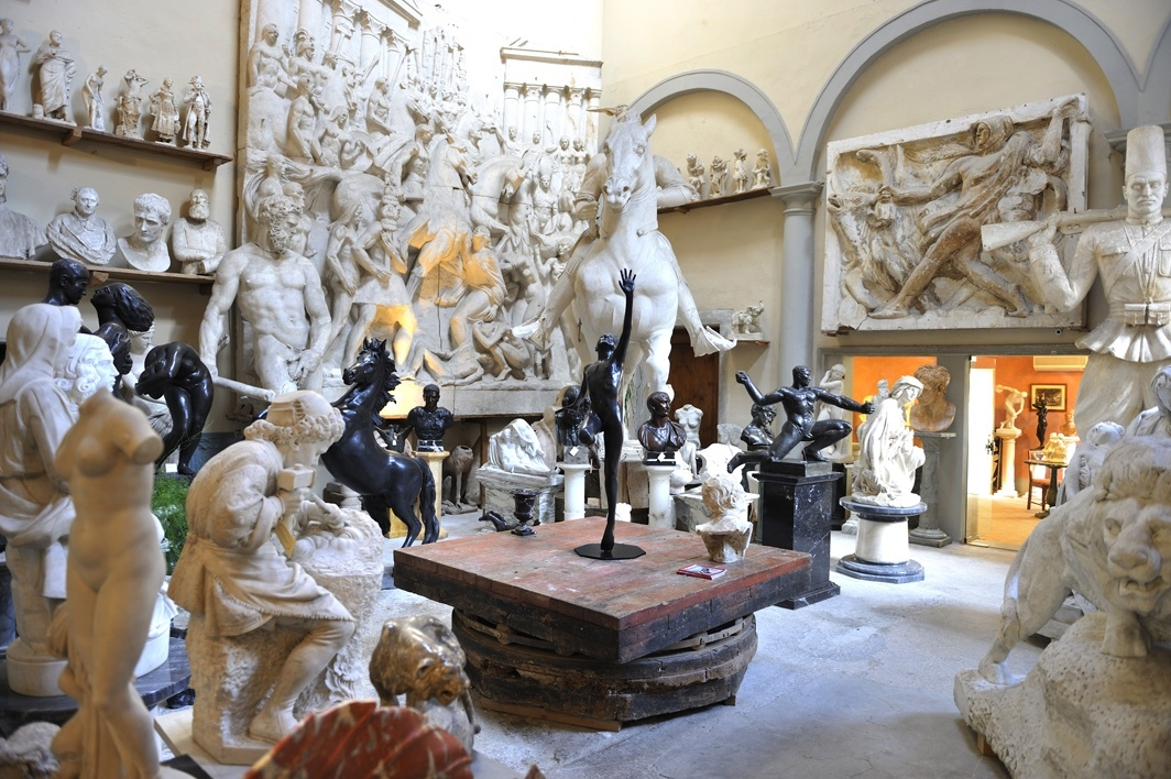 Lost_in_florence_galleria_romanelli_03