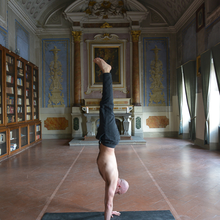 Lost_in_florence_yoga_garage_3
